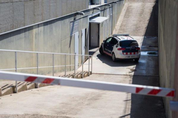 GRAFCAT2076. LA <HIT>BISBAL</HIT> D'EMPORDË (GIRONA).- El presunto autor de abusos sexuales a un bebé de trece meces en Palafrugell (Girona), un joven de dieciocho años amigo de la familia, ha pasado este miércoles a disposición judicial en La <HIT>Bisbal</HIT> d'Empordà.