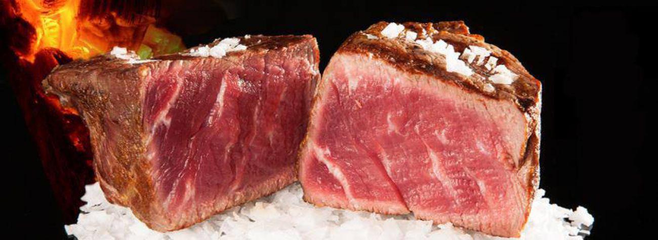 Este asador se ha convertido en el gran destino para comer buena carne...
