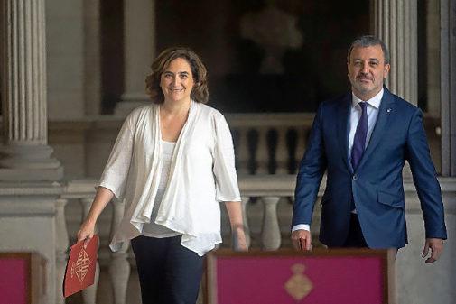 Ada Colau y Jaume Collboní, en el Ayuntamiento de Barcelona
