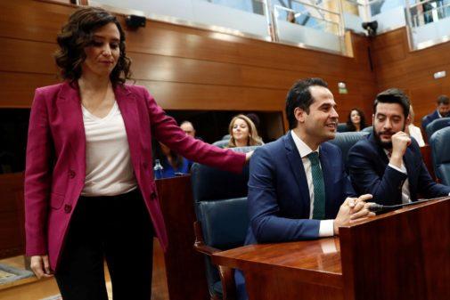 Isabel Díaz Ayuso e Ignacio Aguado en la sesión de investidura en la...