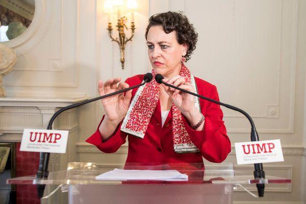 La ministra de Trabajo, Magdalena Valerio, en una rueda de prensa.