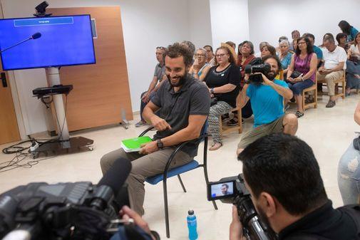 El médico Jesús Candel, durante el juicio celebrado en un juzgado de Granada.