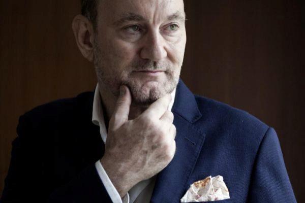 El escritor Lawrence Osborne.