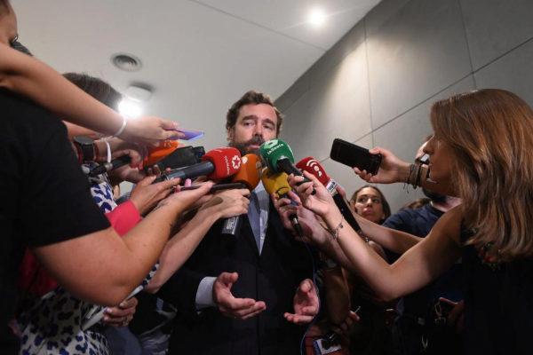 Iván Espinosa de los Monteros (Vox), en declaraciones a la prensa.