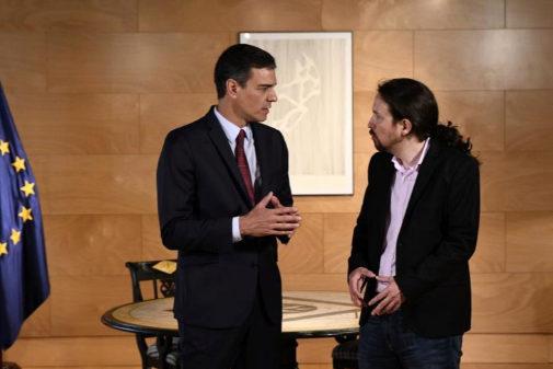 Pablo Iglesias y Pedro Sánchez, durante su encuentro en el Congreso