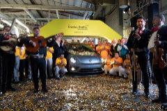 Volkswagen jubila Escarabajo: la última unidad sale de la planta de Puebla