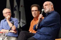 David Grossman, Ioram Melcer y Fernando Aramburu en el XX Congreso de hispanistas en Jerusalén.