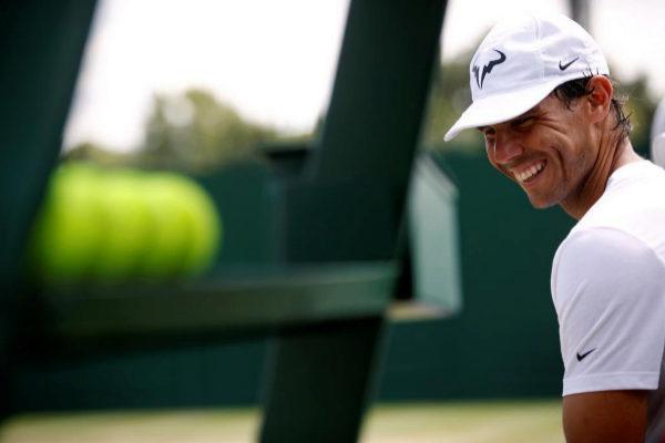 Rafa Nadal, durante el entrenamiento del jueves en Wimbledon.