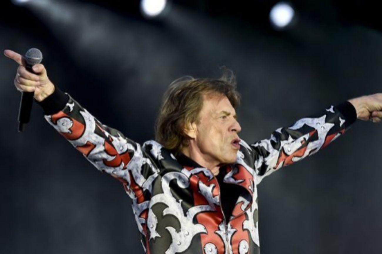 Mick Jagger, de 75 años, no solo se ha destacado por su voz...