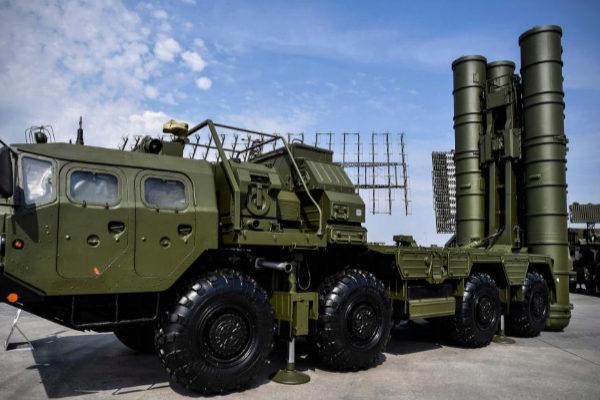 Uno de los componentes del sistema transportable de misiles ruso S-400, en una imagen de 2017