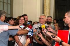 Joan Ribó y Sandra Gómez durante el anuncio del nuevo pacto de gobierno.