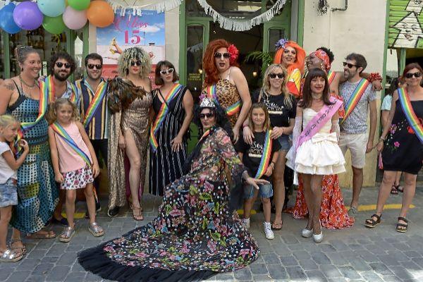 Artistas, amigas e invitadas a la presentación de la fiesta del Flexas.