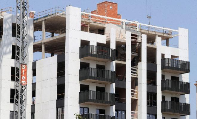 Bloque de viviendas en construcción, en Castellón.
