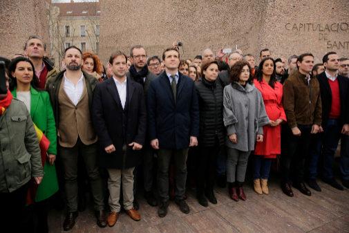 Los líderes del Partido Popular (Pablo Casado), Ciudadanos (Albert Rivera) y Vox (Santiago Abascal) en la concentración por la unidad de España en la Plaza de Colón el 10 de febrero de 2019.