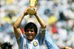 """""""Maradona necesita el caos"""": así entrevistó Asif Kapadia a El Pelusa"""