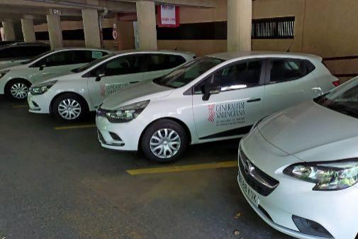 Los vehículos de las imágenes se corresponden con otros 17 coches que llegaron el lunes, 8 de julio, y están operativos en los PAS de Valencia (Punto de Asistencia Sanitaria).