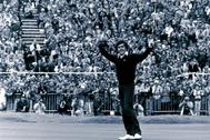 Ballesteros celebra su victoria en el Open Británico en 1979