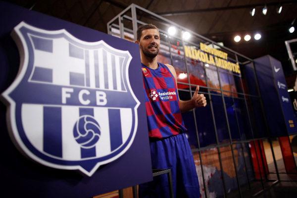 GRAFCAT1993. BARCELONA.- El nuevo jugador del Barcelona, el ala-pívot...