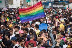 Retiran la custodia a unos padres que pegaron a su hijo por ser homosexual