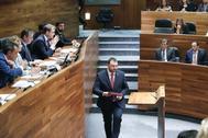 Adrián Barbón, elegido presidente del Principado de Asturias, en el debate de investidura de la autonomía.