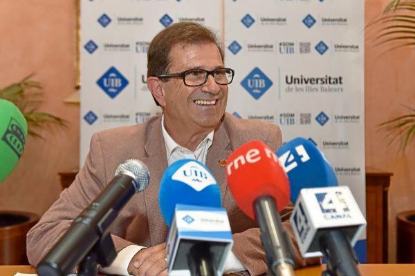 El rector de la UIB, Llorenç Huguet, el día de su reelección en el cargo.