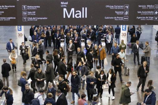 La última edición de Cevisama se celebró del 28 de enero al 1 de  febrero y superó por primera vez la afluencia de 20.000 visitas de extranjeros.