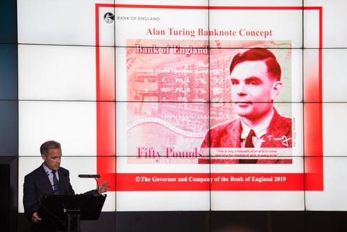 El gobernador del Banco de Inglaterra, Mark Carney, presenta el diseño del billete de Alan Turing.