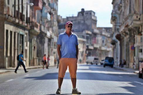 El escritor cubano en La Habana, en abril de 2016.