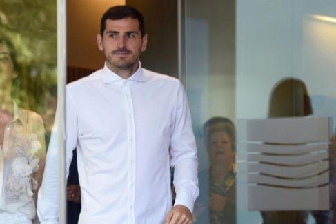 """El extraño paso a un lado de Iker Casillas: trabajará en la directiva del Oporto """"mientras se recupera"""""""
