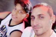 Fabio Provenzano y su hijo Francesco, de 13 años.