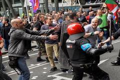 Incidentes entre manifestantes y Ertzaintza en la última jornada de huelga del metal.