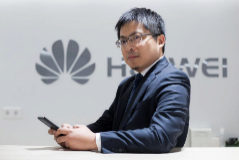 <HIT>Tony</HIT> Jin Yong, CEO de <HIT>Huawei</HIT> España, en la sede de la empresa en Madrid.