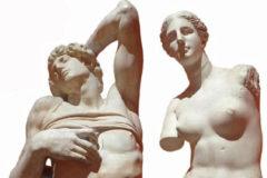 Dos de las esculturas que los estudiantes de Bellas Artes han replicado.