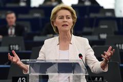 Ursula Von der Leyen, candidata a presidir la Comisión, da un discurso en el Parlamento Europeo.