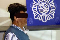 Imagen tomada por la Policía Nacional durante el registro al pasajero colombiano.
