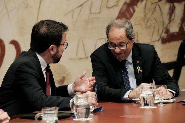 El presidente Quim Torra y el vicepresidente Pere Aragonès en una reunión del Consell Executiu.