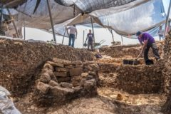 Trabajos en el poblado prehistórico descubierto cerca de Jerusalén.