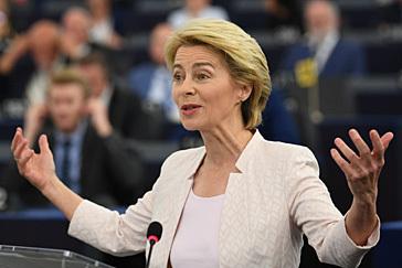 Ursula von der Leyen logra la investidura como presidenta de la Comisión con una mayoría apretada