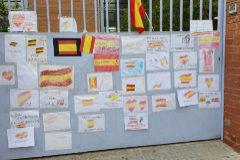 Protesta a favor de la niña agredida por pintar una bandera de España