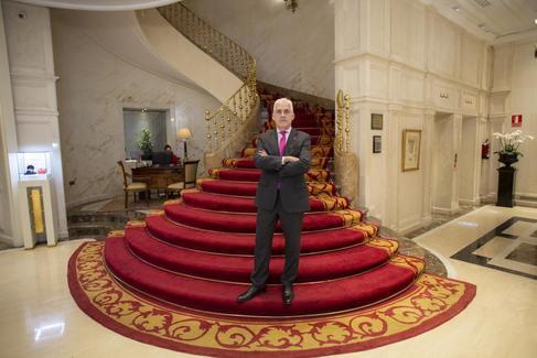 Por qué Victoria Beckham dijo que España huele a ajo y otros secretos de los directores de hotel