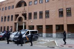 Piden entre 39 y 44 años de cárcel para los tres ex jugadores por agresión sexual a una menor