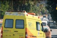 Ambulancia del SEM que se dirige a Siria.