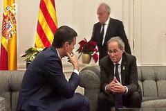 Intelectuales de izquierda piden a Sánchez no pactar con Podemos e independentistas