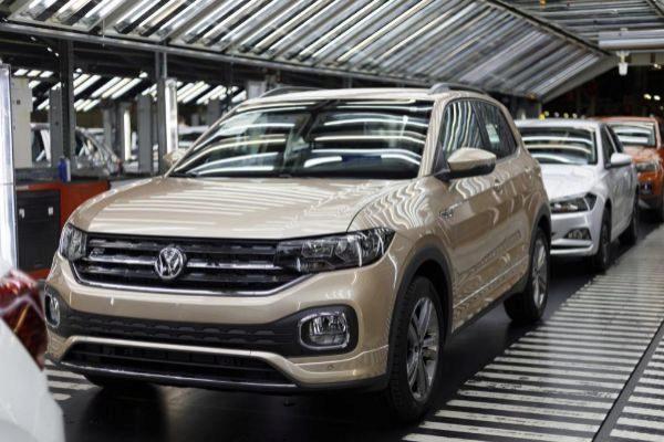 Un Volkswagen T-Cross sin matricular.