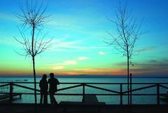 Una pareja en La Albufera de Valencia.