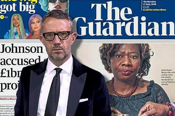 David Pemsel, consejero delegado de 'The Guardian', delante de una portada de su periódico.