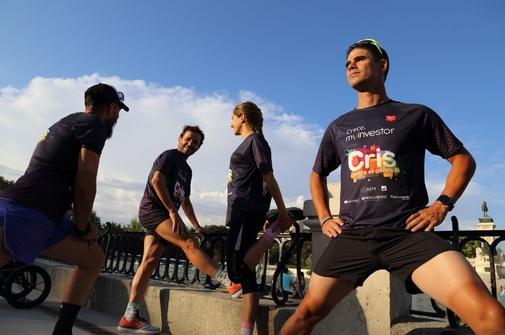 Alejandro Santamaría, entre los miembros del equipo 'Un tri para CRIS'.