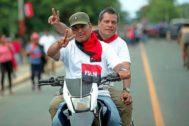 Simpatizantes sandinistas participan en un acto de conmemoración de la revolución.