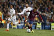 Neymar y Ramos, durante un clásico en 2014.