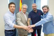 Valdés, con Amor, Silvio Elías y Bakero.